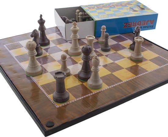 Gezelschapsspel 3 in 1 - schaken - dammen - ludo