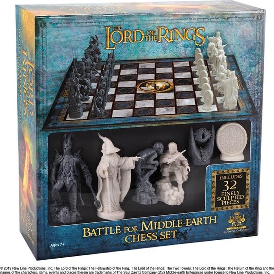 The Noble Collection Lord of the Rings: Battle for Middle Earth Chess Set