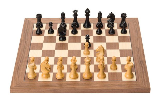 DGT e-Board Walnut Official FIDE Set